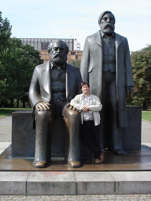 me, marx and engels in the alexanderplatz